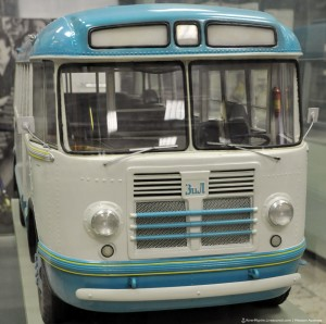 ЗиЛ (ЛиАЗ)-158. Городской автобус производства Завода имени Лихачёва с 1957 по 1959 год.